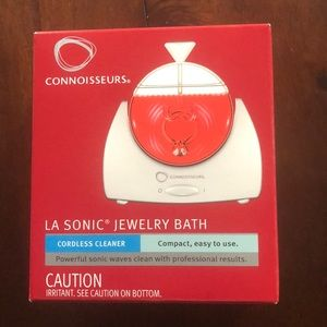 Jewelry bath cleaner